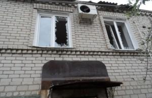 0YQFVX_v0uc2 (Луганская республика: военные части города взяты под контроль)
