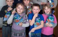 Новогодняя гуманитарная миссия РОД. Раздача детских подарков (Новогодняя гуманитарная миссия РОД. Раздача детских подарков)